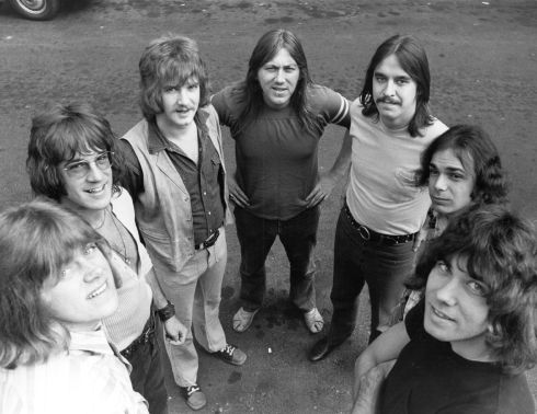 27th August 1970:  American rock band Chicago, in England to top the bill at the 1970 Isle of Wight festival. From left to right; Pete Cetera (bass), James Pankow (trombone), Lee Loughnane (trumpet), Terry Kath (guitar), Walter Parazaider  (saxophone) and Danny Seraphine.  (Photo by Ian Showell/Keystone/Getty Images)